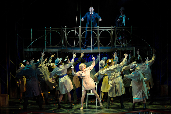 Jessica Wockenfuss (Roxie Hart) and Matthew J. Taylor (Billy Flynn) and the cast of C Photo