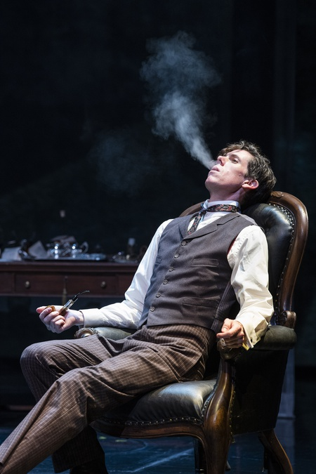 BWW Review: A WITTY WHODUNNIT IN 'THE HOUND OF THE BASKERVILLES' at SHAW FESTIVAL