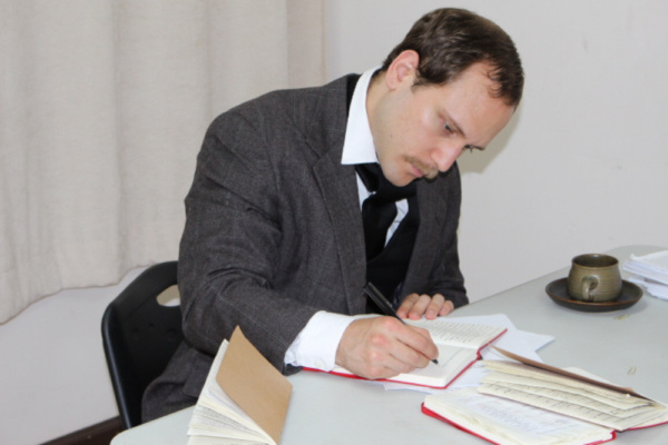 Ostrowski as author Stephen Crane in Evening with Stephen Crane written by Phil Paradis and directed by Janice Orlandi.