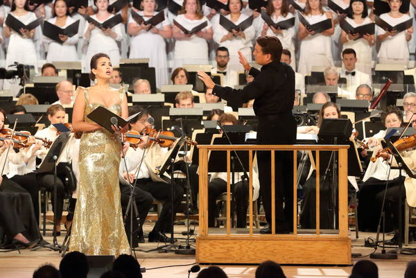 Keith Lockhart leads Nadine Sierra and the BSO Photo Credit: Hilary Scott Photo
