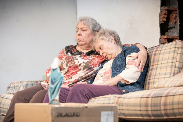 Photos: First Look at THE HUMANS at Hampstead Theatre
