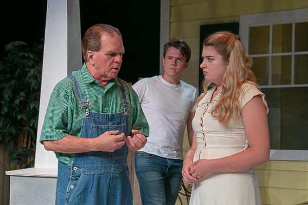 Rufus de Rham (Frank Lubey), Tommy Ovitt (Chris Keller), Paige Gray (Ann Deever) Photo