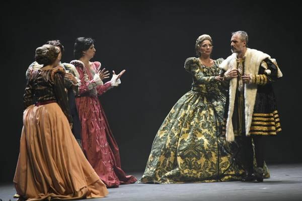 PHOTO FLASH: FRANCISCUS se estrena en el Euskalduna de Bilbao