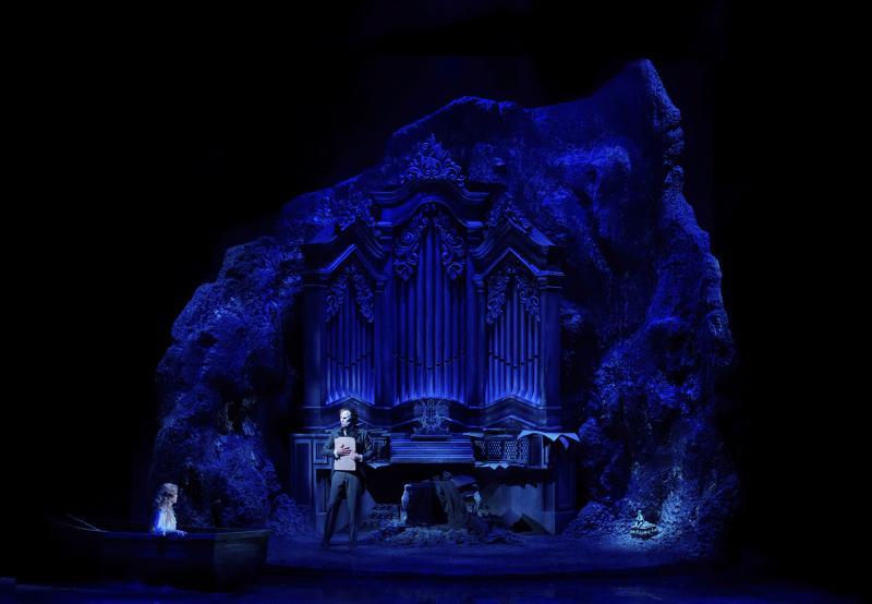 BWW Review: THE PHANTOM OF THE OPERA - A Phantastic Phantom at Folketeatret