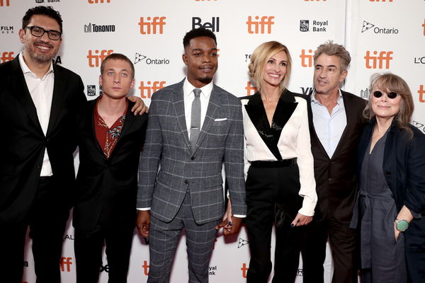 Sam Esmail, Jeremy Allen White, Stephan James, Julia Roberts, Dermot Mulroney, Sissy Spacek
