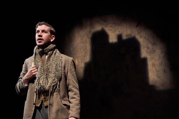 Photo Flash: Halloween Comes Early with Cleveland Play House's THE WOMAN IN BLACK