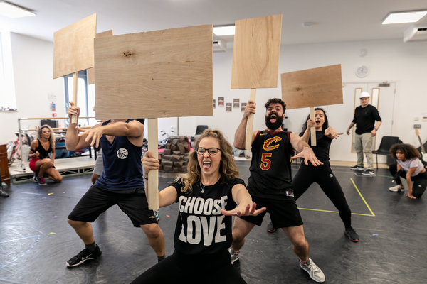 Photo Flash: In Rehearsal with ROCK OF AGES