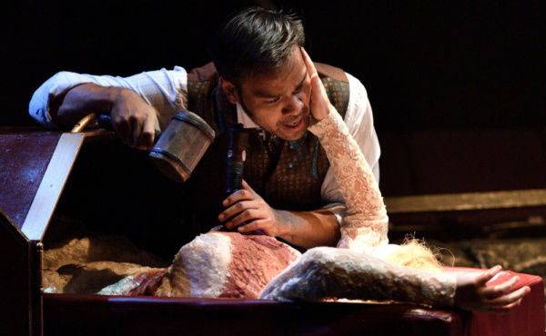 Photos: Actors Theatre Presents Fifth Third Bank'sDRACULA