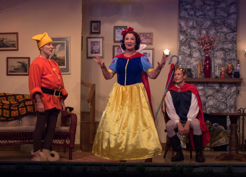 BWW Review: VANYA AND SONIA AND MASHA AND SPIKE at Elmwood Playhouse