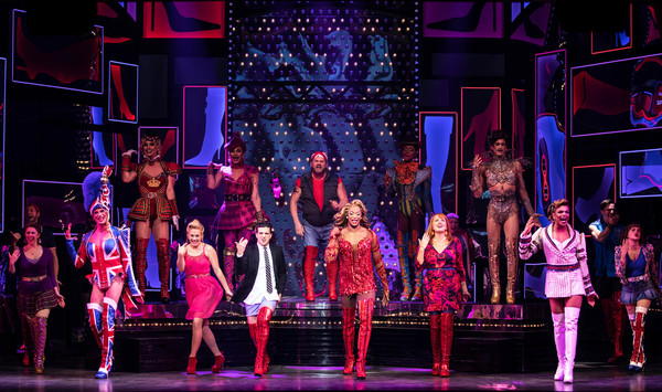 Mark Ballas, J. Harrison Ghee, Carrie St. Louis and the cast of Kinky Boots