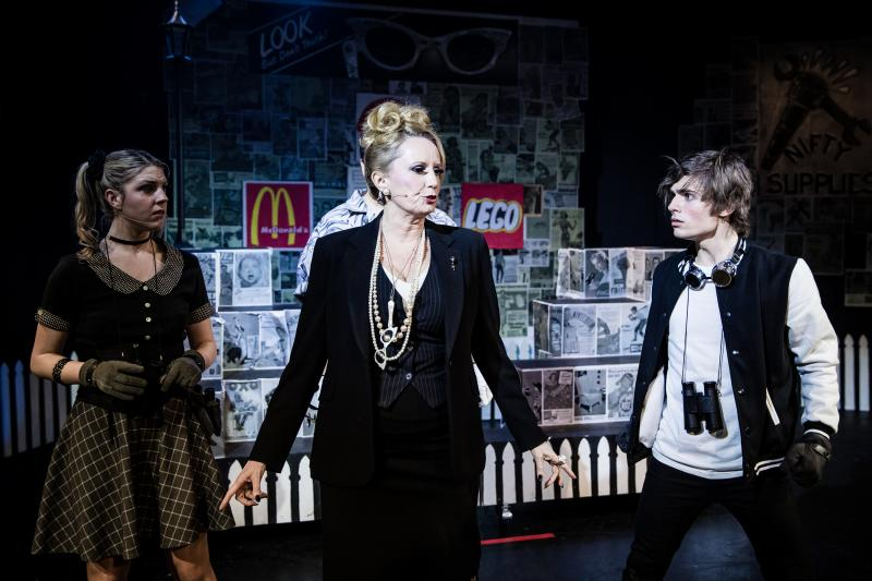 BWW REVIEW: Comic New Musical STALKER THE MUSICAL Contemplates Protecting A Community From The Dangers Of Love