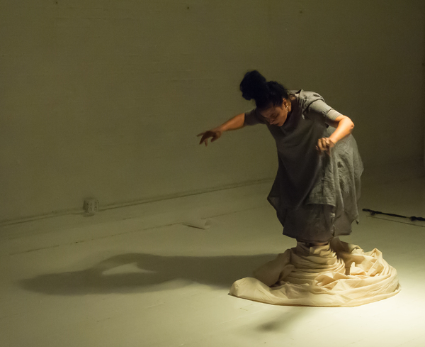 BWW Review: Memories and Dementia Are Explored Through Multimedia in MAGDALENA