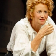 Brief 9/25: BERNHARDT/HAMLET Opens, THE WAVERLY GALLERY Begins Previews, and More!
