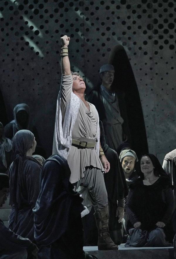 "Roberto Alagna as Samson in Saint-Saëns's ""Samson et Dalila."""