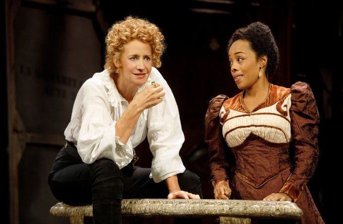 Brief 9/26: Read the Reviews For BERNHARDT/HAMLET, and More!