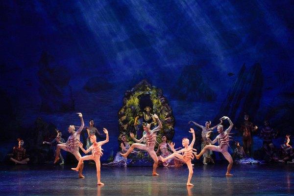 Photo Flash: First Look at SONG OF THE MERMAID Ballet at NY City Center