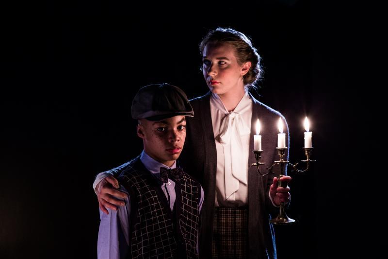 BWW Interview: Kazaras Brings Britten's Ghostly Battle to Seattle Stage