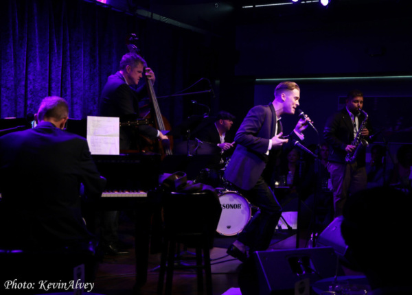 Photo Flash: Daniel LeClaire Comes to Birdland Theater