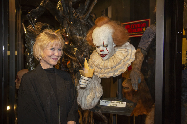 """Scream Queen, Dee Wallace, with Pennywise Make-Up Bust from """"It"""""""