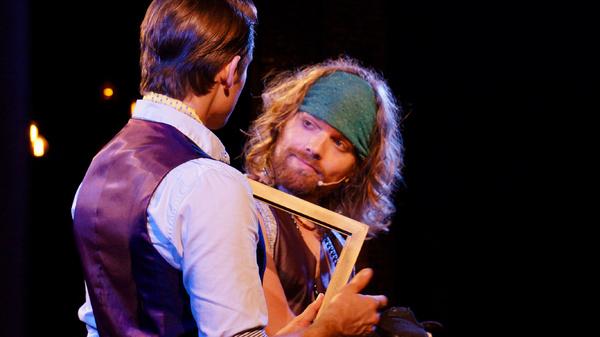 Matthew Sanderson as Theo van Gogh, Jeff Blim as Paul Gauguin Photo
