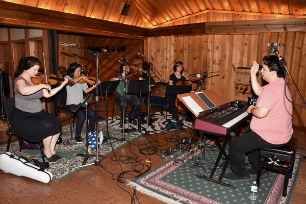 Caleb Hoyer with Louise Owen (Violin), Yuku Naito-Gotay (Violin), Tallie Brunfelt (Vi Photo