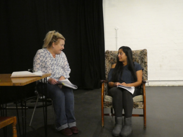 Photo Flash: Rehearsal Pictures Released For Michael Frayn's HERE