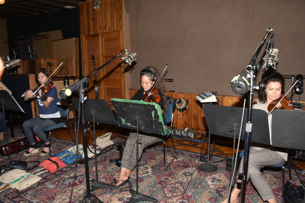 Hiroko Taguchi (Viola), Kiku Enomoto (Violin) and Lisa Matricardi (Violin)