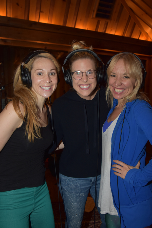 Exclusive Photo Coverage: FROZEN Cast Bundles Up for Carols For A Cure!