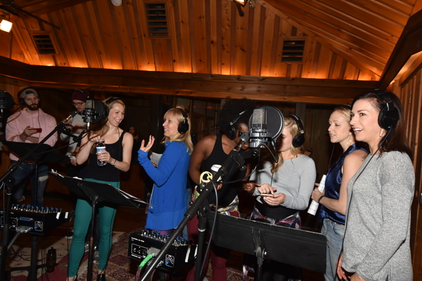 Ashley Elizabeth Hale, Alicia Albright, Aisha Jackson, Lauren Nicole Chapman, Kristin Stewart and Wendi Bergamini
