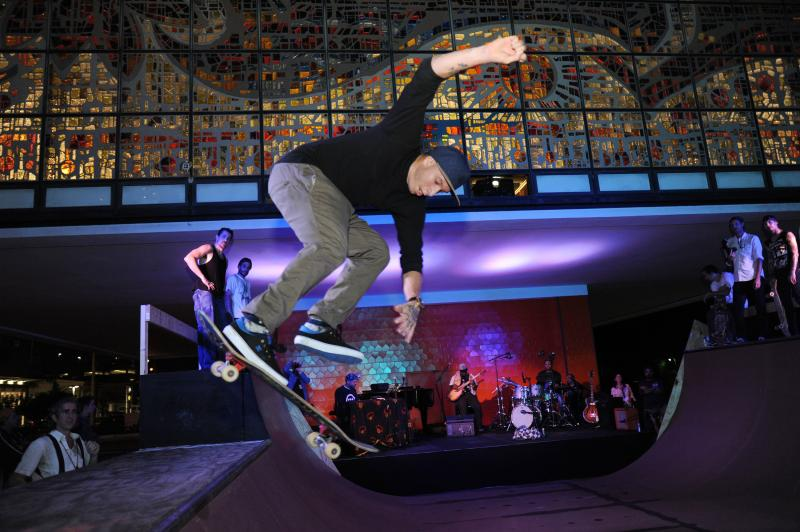 BWW Review: FINDING THE LINE ~ A SKATEBOARDING FUSED WITH JAZZ EXTRAVAGANZA  at The Ford Theatre