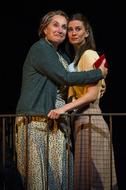 BWW Review: THE GLASS MENAGERIE at Barrington Stage Company Reminds Audiences That Simple and Easy are Not the Same.