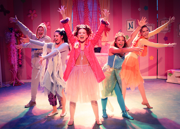 Matt Takahashi as Lionel, Monika Peña as Rhonda, Angela Griswold as Nancy, Liz B. Williams as Bree, and Megan McCarthy as Wanda