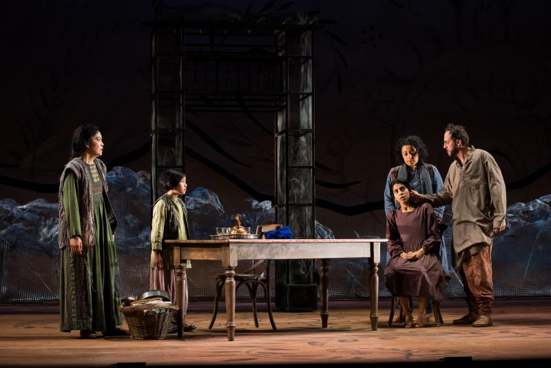 BWW Review: Seattle Rep's A THOUSAND SPLENDID SUNS Shimmers with Tragic Beauty