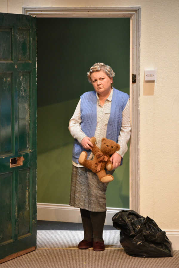 Kerry Joy Stewart as Pat in HERE by Michael Frayn, playing at Greenwich Theatre until 13 October 2018