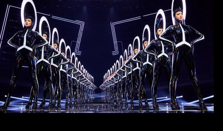 BWW Review: VIVID GRAND SHOW at Friedrichstadt-Palast Berlin - This breathtaking spectacle will prove to be a GIGANTIC hit! Bravo!!!