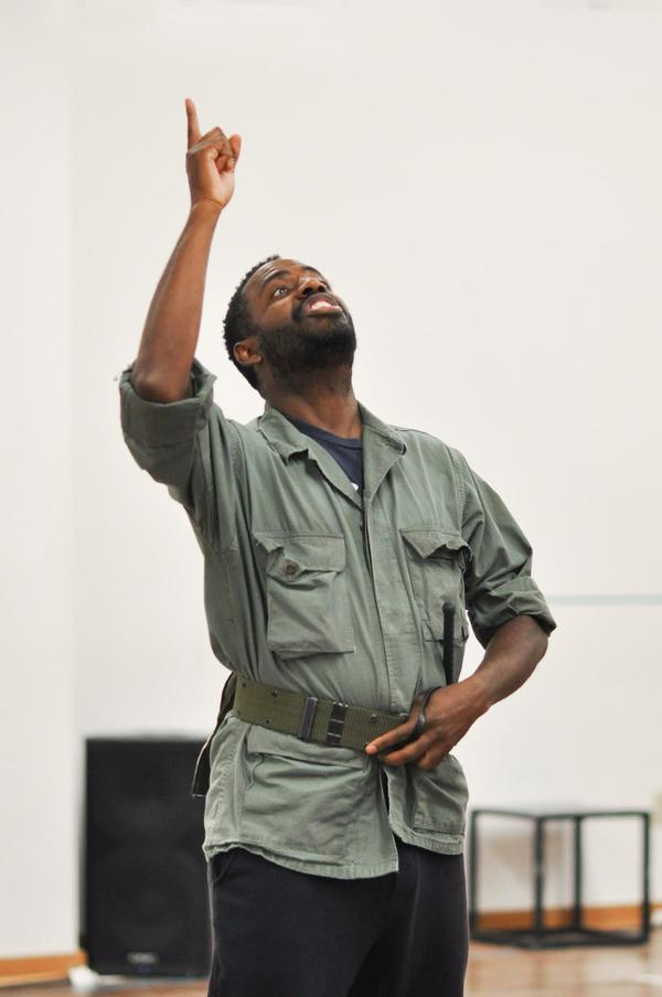 Photo Flash: Inside Rehearsals For HENRY V at Hartford Stage