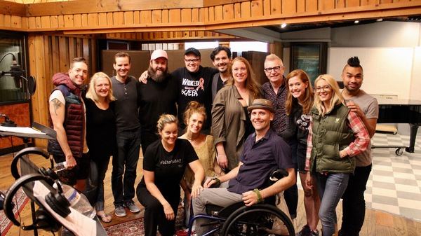 Exclusive Photo Coverage: WICKED Cast Gets In the Holiday Spirit for Carols For A Cure!