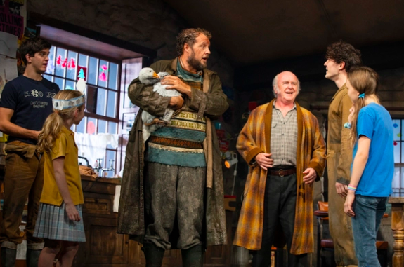 Wake Up With BWW 10/16: AIN'T TOO PROUD Opens in Toronto, and More!