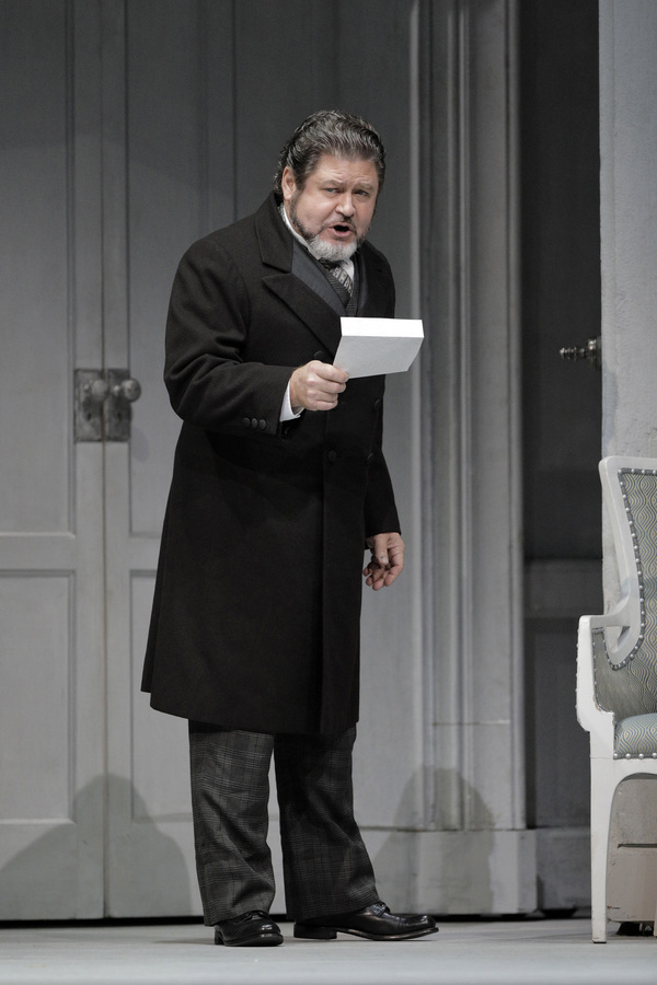 Richard Paul Fink as Count Waldner Photo