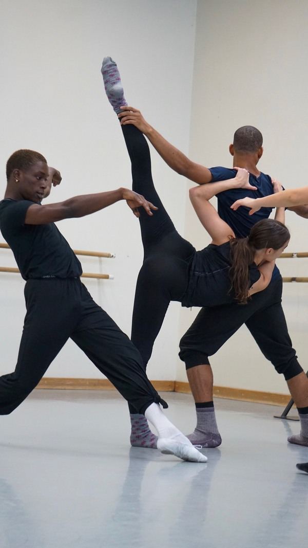 BWW Reviews: Eryc Taylor Dance Grants New Choreographers a Chance to Shine