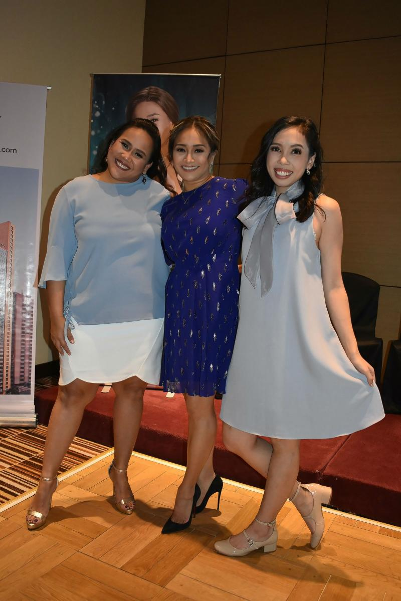 Photo Coverage: The International Premiere Cast of WAITRESS Meets The Press