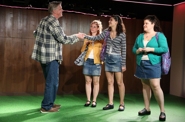 Photo Flash: First Look at Roundabout's USUAL GIRLS