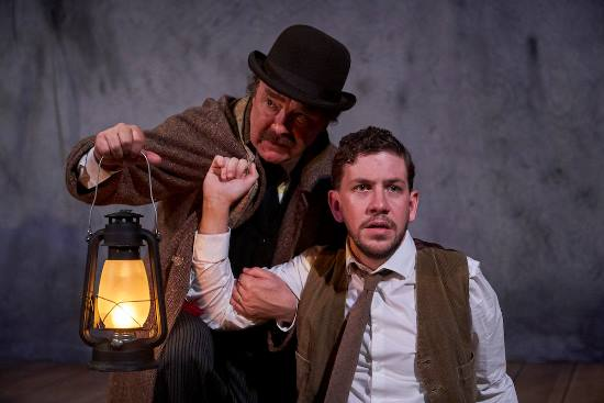 BWW Review: THE WOMAN IN BLACK is Halloween Scare Fare at Pasadena Playhouse