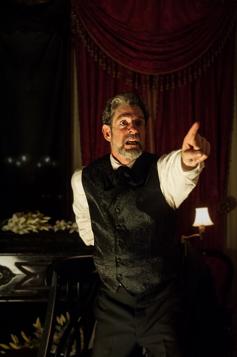 BWW Review: John Kevin Jones is Both Ghoulish and Exquisite in KILLING AN EVENING WITH EDGAR ALLAN POE