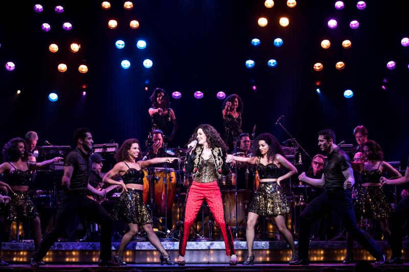 BWW Review: Paramount Gets You ON YOUR FEET! with Gloria and Emilio Estefan
