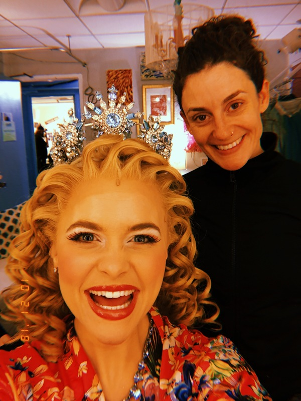 """""""How to fix your hair…""""  Mary Kay Yezerski and I get to spend a lot of time together and I love our conversations. She's kind and fun and generous and also an incredible athlete (runner, biker, swimmer and triathlete). Fun fact, the crowns are made"""