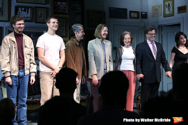 Michael Cera, Lucas Hedges, Elaine May, Joan Allen, David Cromer, Kenneth Lonergan an Photo