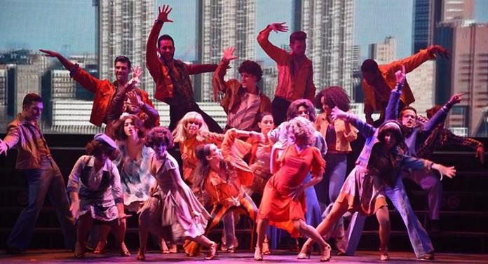 BWW Review:  LA FEBBRE DEL SABATO SERA del Teatro Nuovo, il paradosso del musical low-cost.