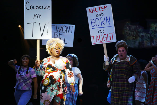 Altamiece Carolyn Cooper (Motormouth Maybelle), Blake Hammond (Edna Turnblad), and the cast of HAIRSPRAY