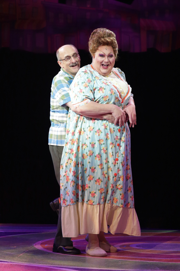 Philip Hoffman (Wilbur Turnblad) and Blake Hammond (Edna Turnblad)